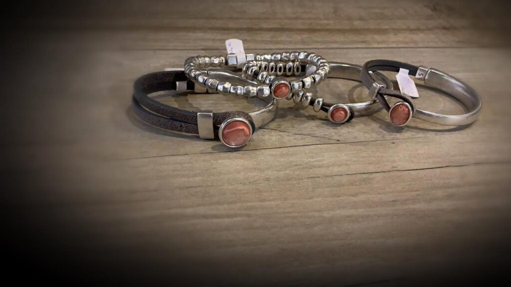 Qoss Armbanden